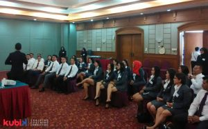 Customer Satisfaction Training di PT. Krama Yudha Tiga Berlian Motors