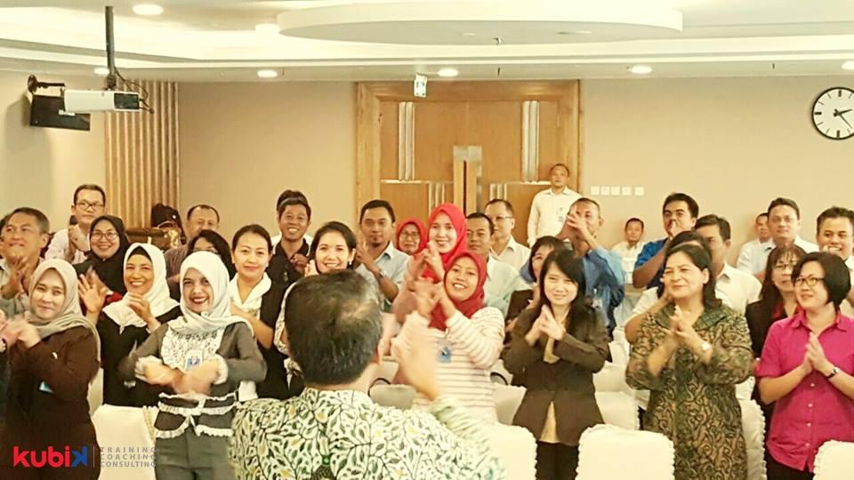 Seminar Motivasi di Bank J Trust Indonesia