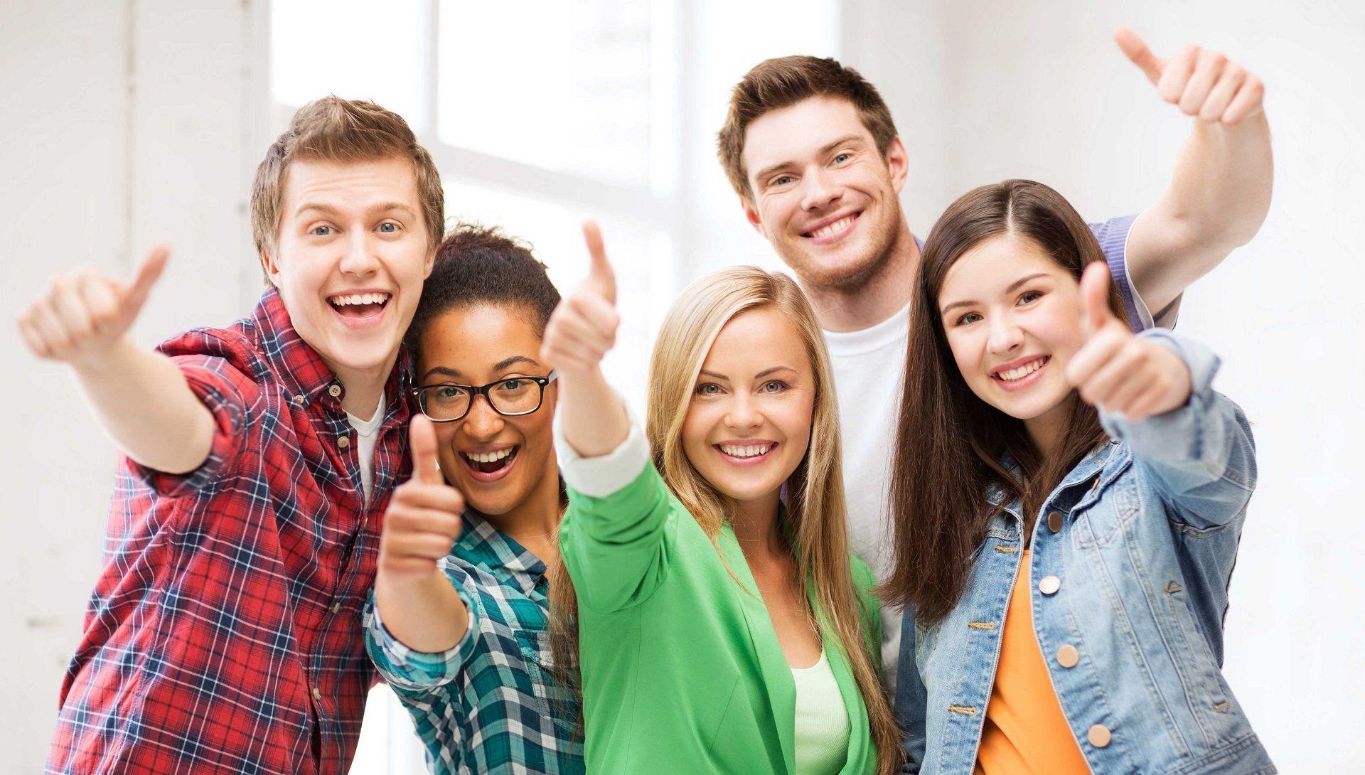 Студентки веселятся после экзамена, Студентки после экзамена » Порно видео онлайн 1 фотография