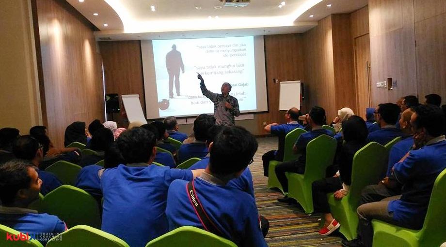 Training SuksesMulia Star Employee di DKPPU (Direktorat Kelaikanudaraan Pengoperasian Pesawat Udara)